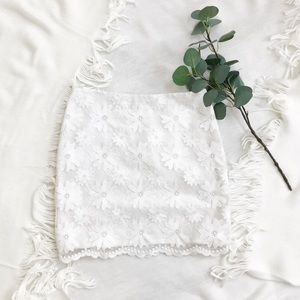 Club Monaco Embroidered Floral Lace Mini Skirt 6